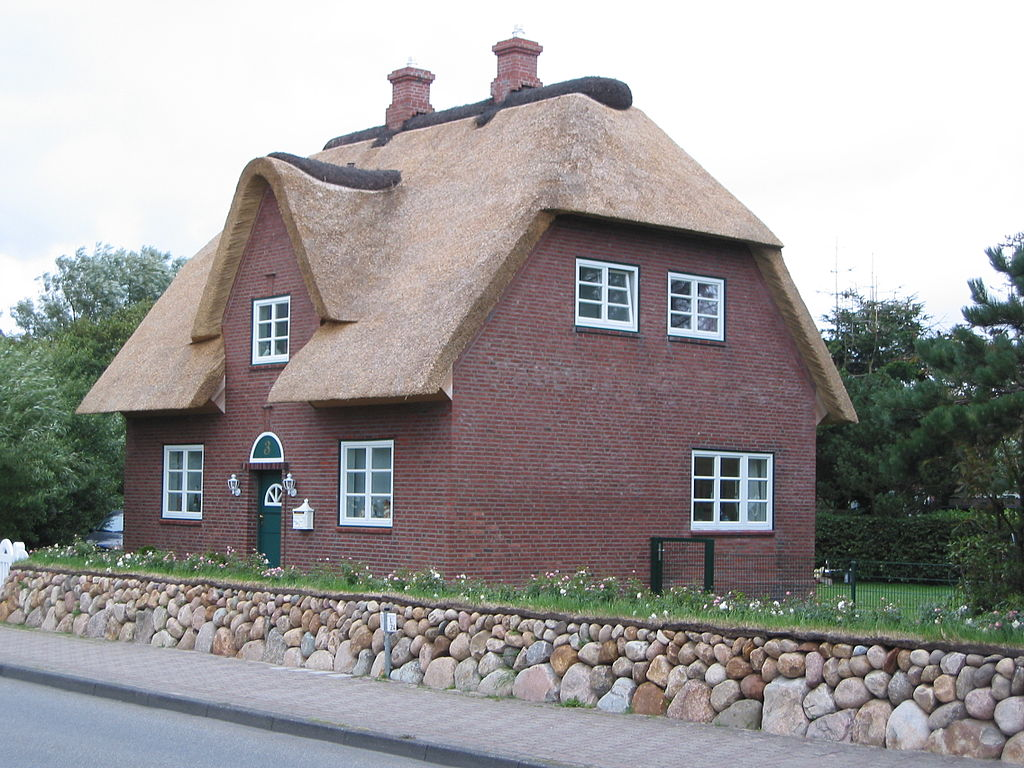 Recent News Stories Show The Importance of Fire Safety for Thatched Roof Property Owners